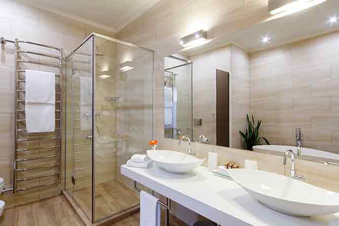 5M Deco | À Ivry-sur-Seine, une salle de bain pour personnes handicapées